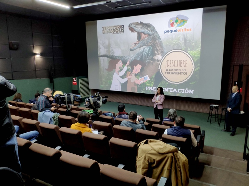 Dinópolis propone un divertido reto paleontológico a los más pequeños gracias a 'Pequevisitas'.